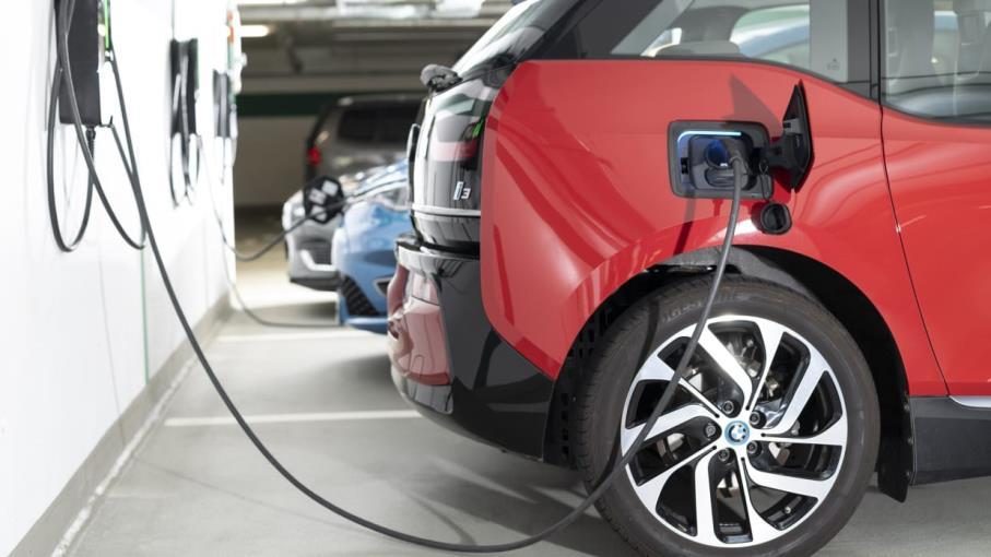 Auto elettriche: tutte le ragioni del crollo delle azioni