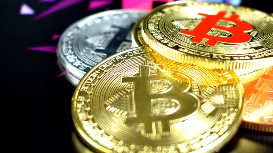 relazione tra bitcoin e mercato azionario)