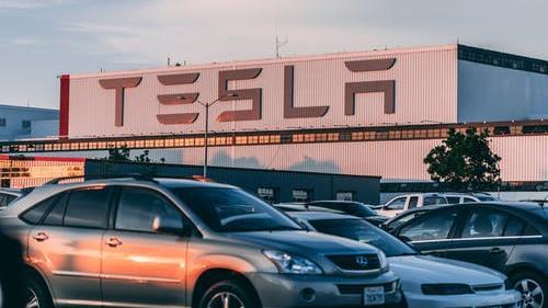 Tesla: boom di vendite in Cina, cosa significa per le azioni?
