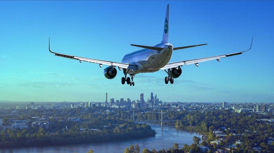 Settore aereo: variante Delta fa volare i debiti