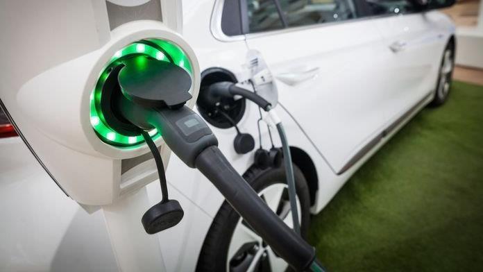 Auto elettriche: dopo Tesla, produttori cinesi sfidano GM e Ford