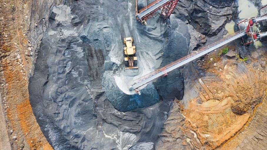 Certificati: investire su metalli preziosi e decarbonizzazione