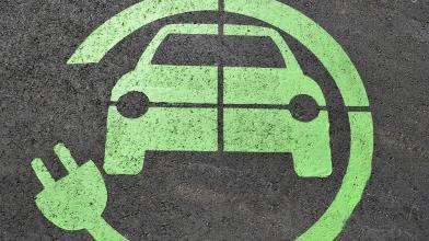 Certificati: guardare a sviluppi auto elettriche e criptovalute