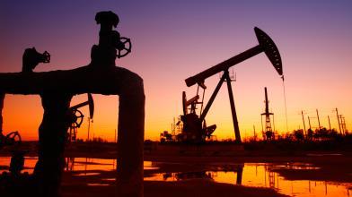 Come le decisioni della FED influenzano il petrolio