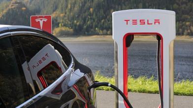 Investire su Tesla e NIO: due simboli delle auto elettriche