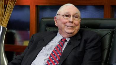 Chi è Charlie Munger, l'avvocato braccio destro di Warren Buffett