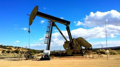 Petrolio: crisi energetica spinge il greggio sopra gli 80 dollari