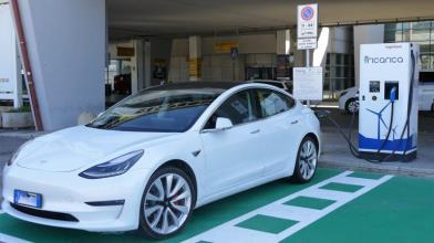 Azioni auto elettriche: 4 motivi per cui la bolla sta scoppiando