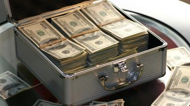 Schema Ponzi: cos'è e come funziona la truffa di Bernie Madoff