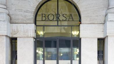 Piazza Affari: 5 ragioni per comprare azioni banche italiane