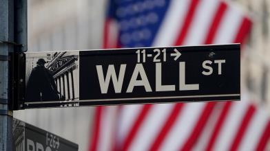 Wall Street: con Dollaro forte danneggiati i titoli industriali
