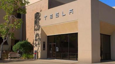 Tesla: trimestrale in chiaroscuro e titolo affonda in Borsa